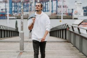 Was tun gegen Einsamkeit | Chris Bloom
